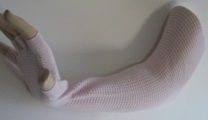 non slippy finger less glove pink arm sleeve