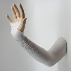 white long arm sleeve with thumb hole textured fabric